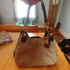Coach hobo bag in excellent condition
